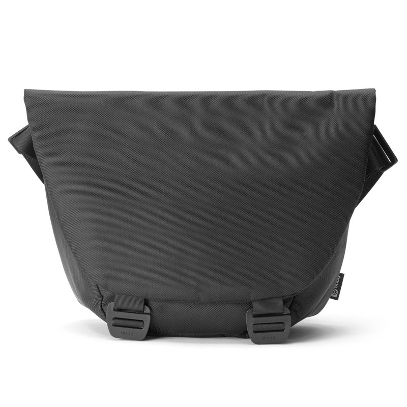 Booq - Shadow 15 inch Laptop Messenger Black 01