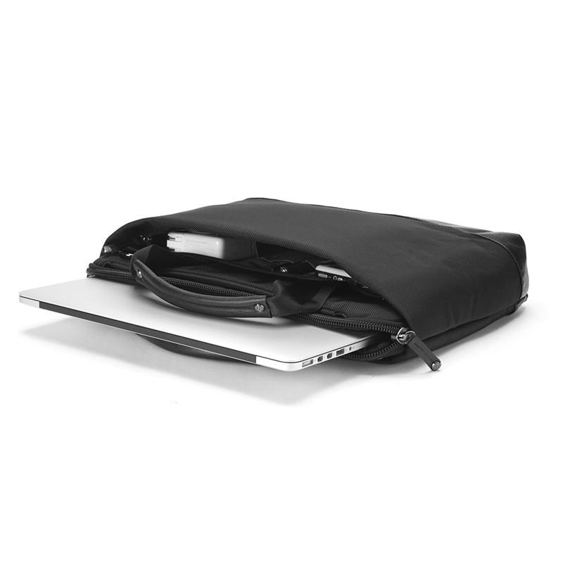 Booq Slimcase Pro 15,6 inch Black 05