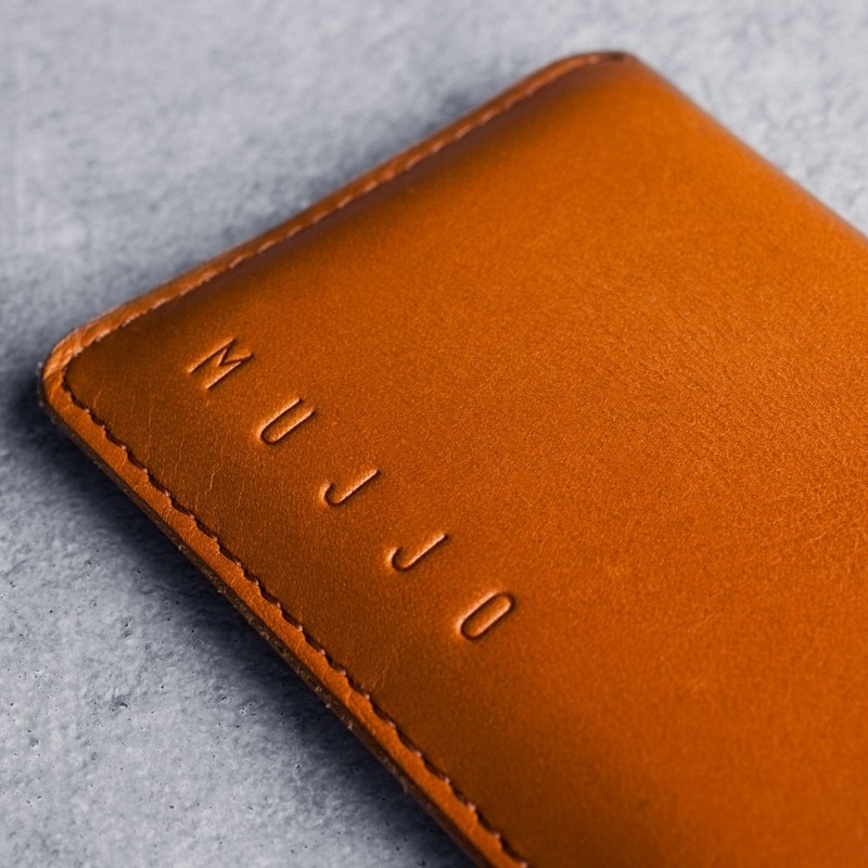 Mujjo - Leather wallet Sleeve iPhone X/Xs Tan 02