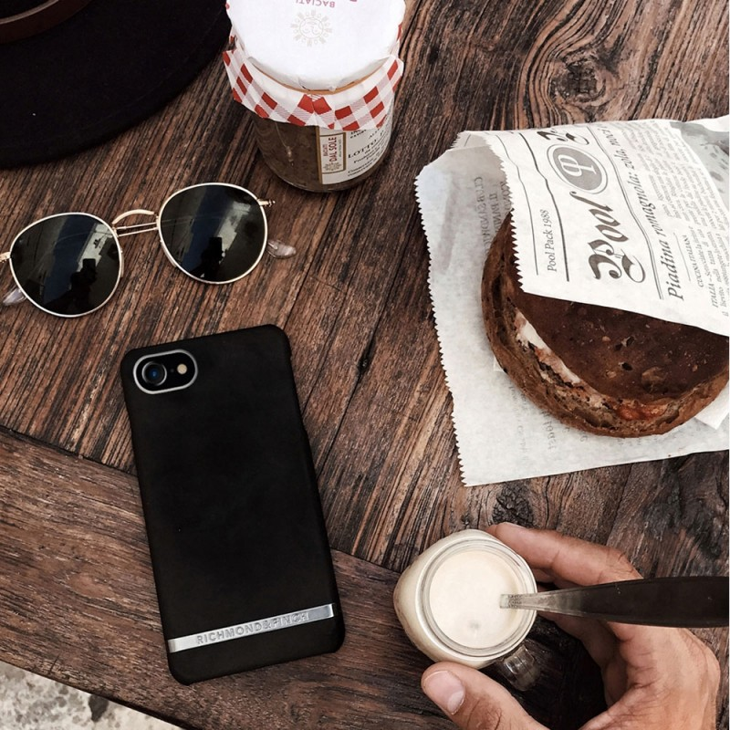 Richmond & Finch Freedom Series iPhone 8/7/6S/6 Black Out - 4