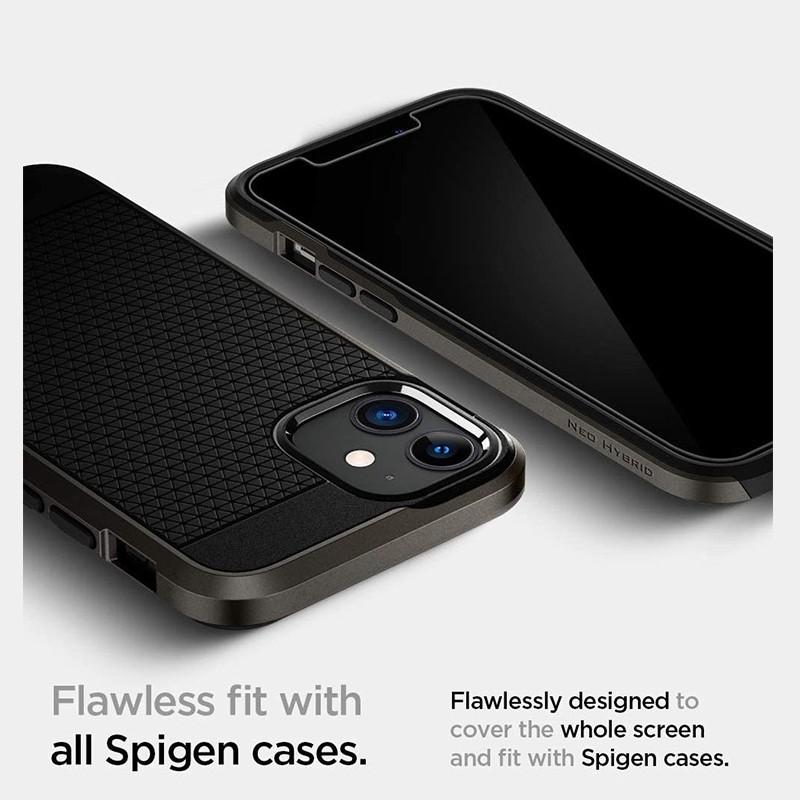Spigen Anti Blue Screenprotector iPhone 12 / iPhone 12 Pro 6.1 inch 02