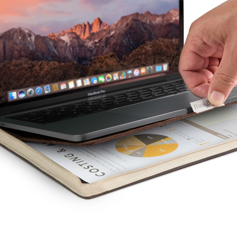 Twelve South - BookBook Vol. 2 MacBook Pro 15 inch USB-C 02