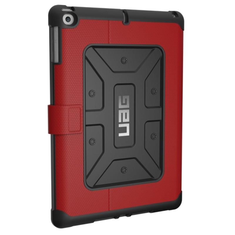 UAG - Metropolis Hoes iPad (2017) / iPad Air Red 01