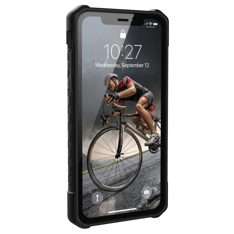UAG Monarch iPhone XR Hoes Carbon Zwart 02