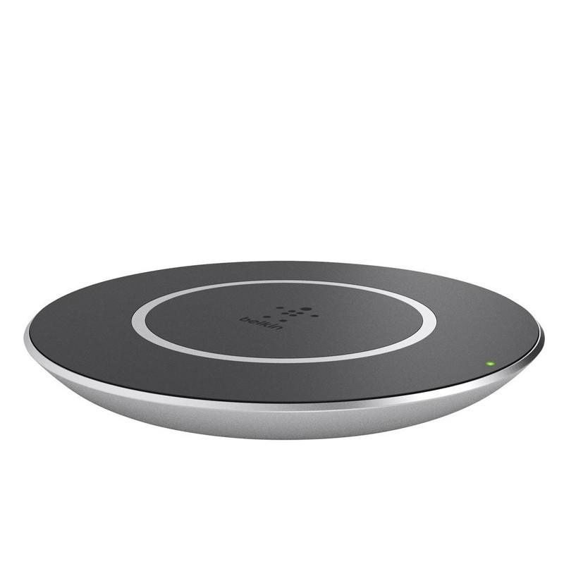 Belkin Boost Up Universal 15W Qi Draadloos Oplaadstation 01