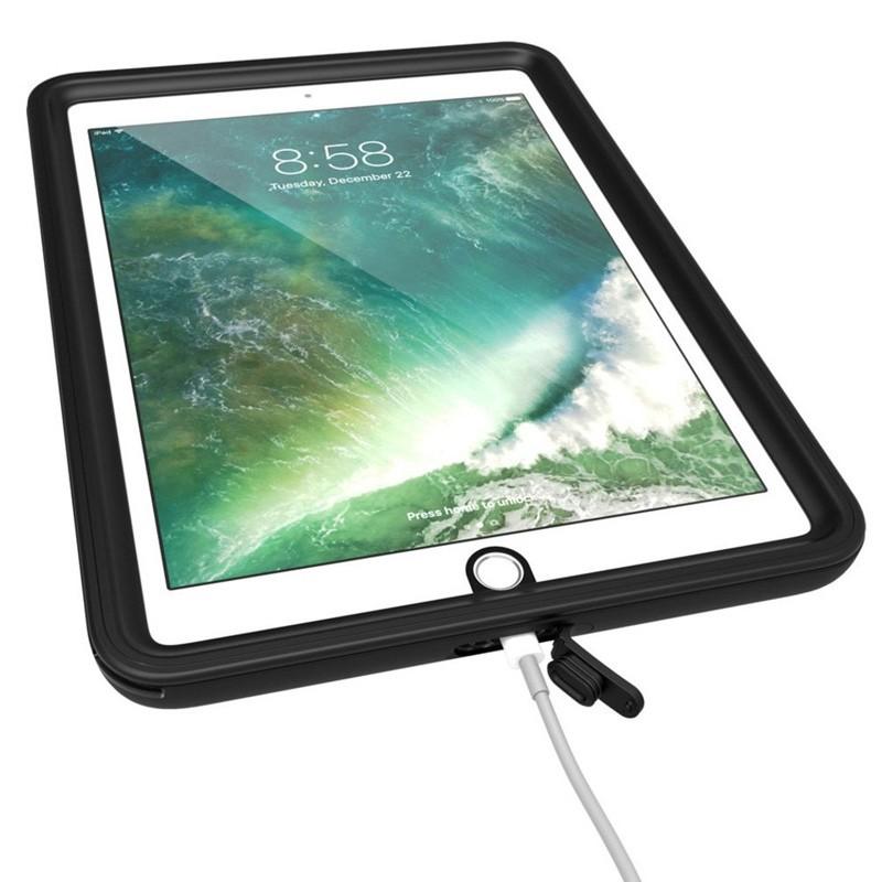 Catalyst Waterproof Case iPad 9,7-inch 2017 / 2018 Black/Clear - 6