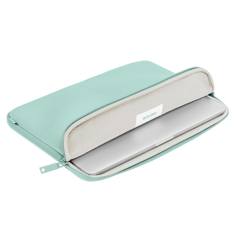 Incase - Classic Sleeve MacBook Pro 15 inch Retina Mint 03