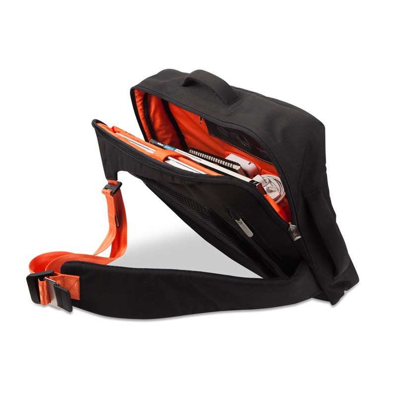 Moshi - Venturo 15 inch Charcoal Black 05