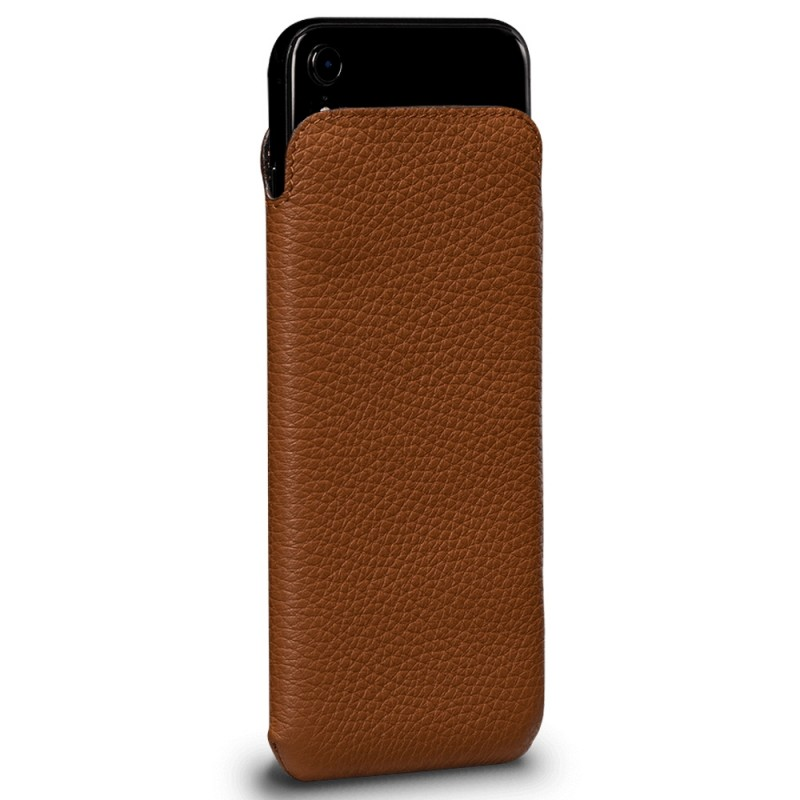 Sena UltraSlim iPhone XR Sleeve Bruin 02