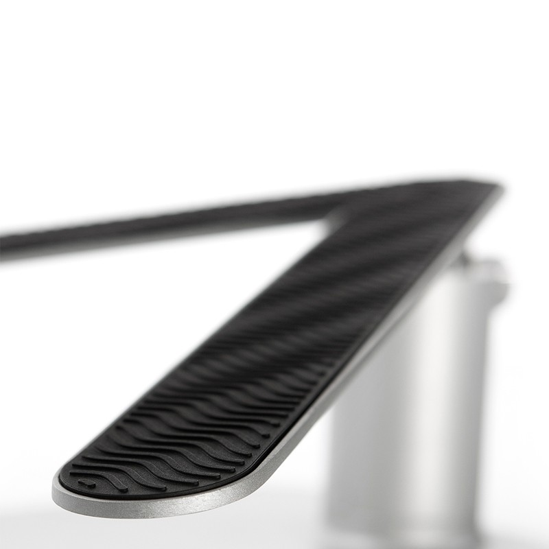 Twelve South HiRise Macbook stand 07