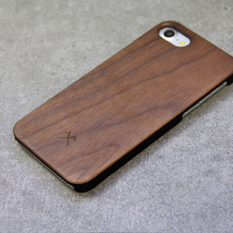 Woodcessories - EcoCase Classic iPhone 7 Walnoot 04