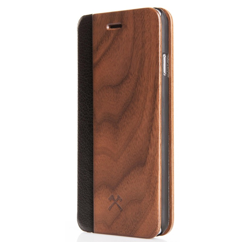 Woodcessories - EcoCase FlipCover iPhone 7 Plus Walnoot 01