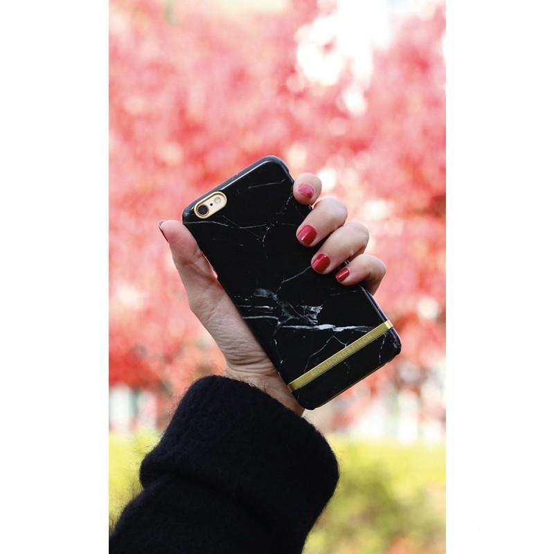 Richmond & Finch - Marble Case iPhone SE / 5S / 5 Black 02