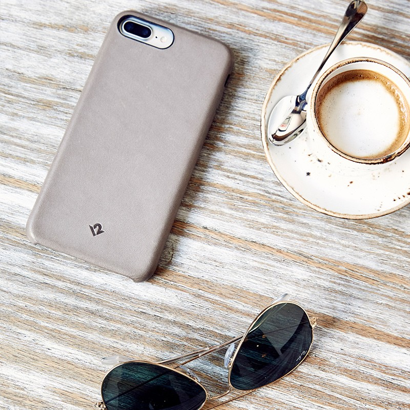 Twelve South - RelaxedLeather iPhone 7 hoesje Warm Taupe 06